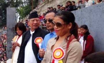 MC Mary Kom promised free training for aspiring boxers from Darjeeling