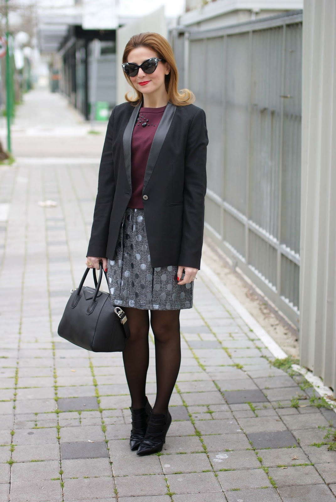 Jijil polka dot skirt, gonna palloncino pois, sheer black tights on Fashion and Cookies fashion blog