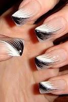 Como desenhar penas nas unhas