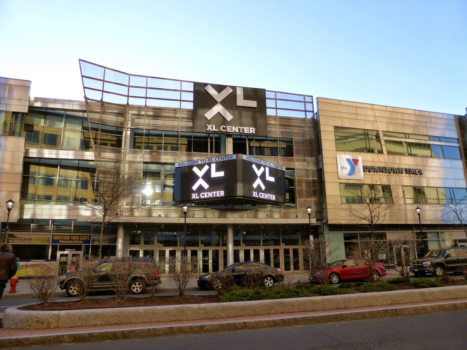 Xl center renovation updates hartford wolf pack - The Team Plays In The Xl Center Which Used To Be Known As The Hartford Civic Center Located Right Downtown It Doesn T Look A Pro Sports Venue From The