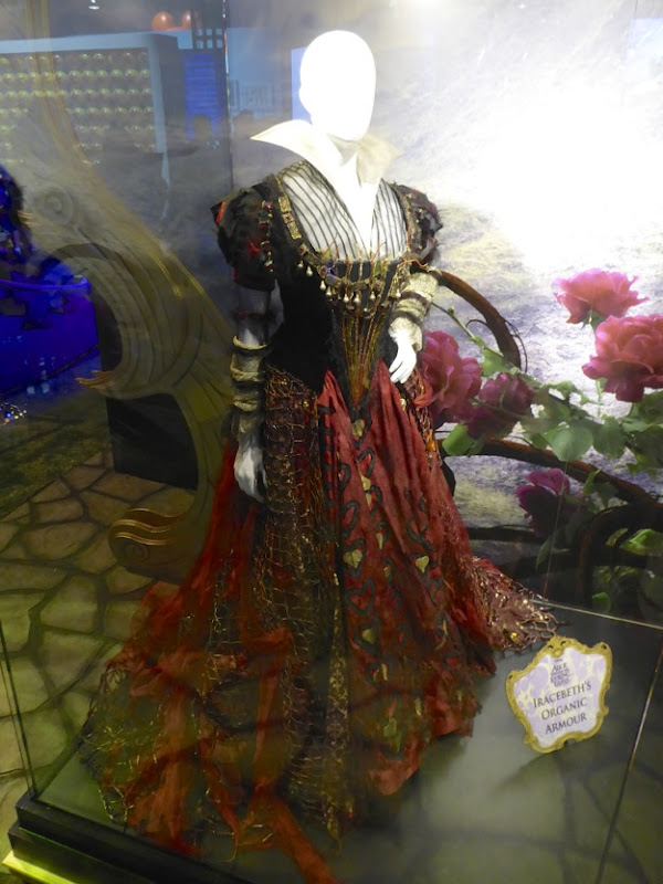 Helena Bonham Carter Alice Through Looking Glass Iracebeth costume
