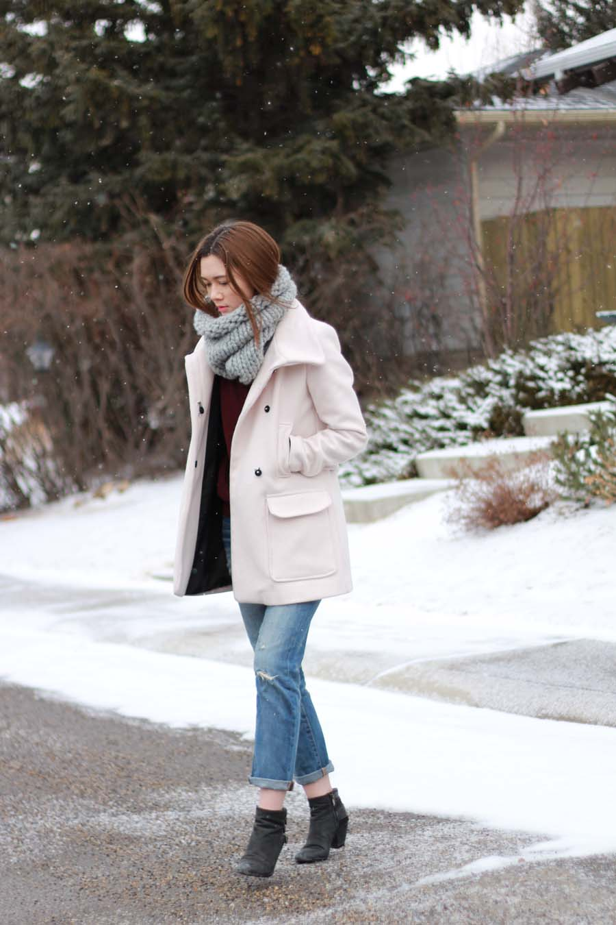 box coat, boyfriend jeans, winter fashion, calgary fashion, snood, scarf, winter outfit ideas, how to wear boyfriend jeans