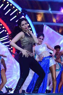 Tamanna Hot Dancing Stills At IIFA Awards