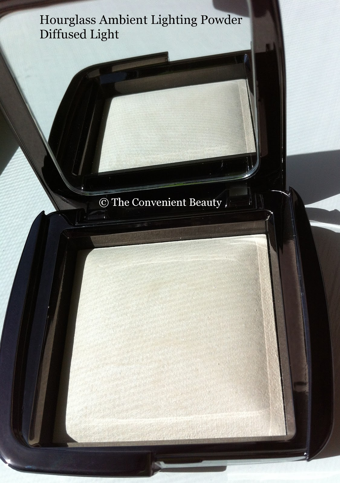 The Convenient Beauty: Review: Hourglass Ambient Lighting Powder In Diffused  Light