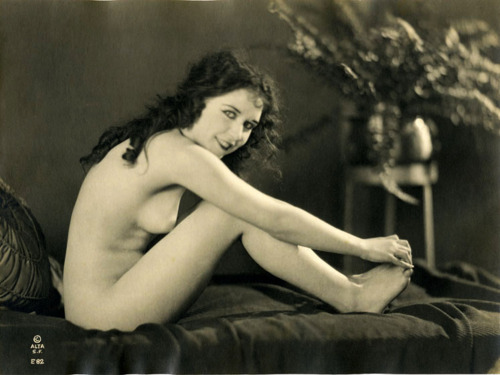 Sensual erotice art nudes