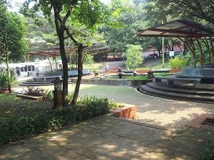Taman Tengah FT UI