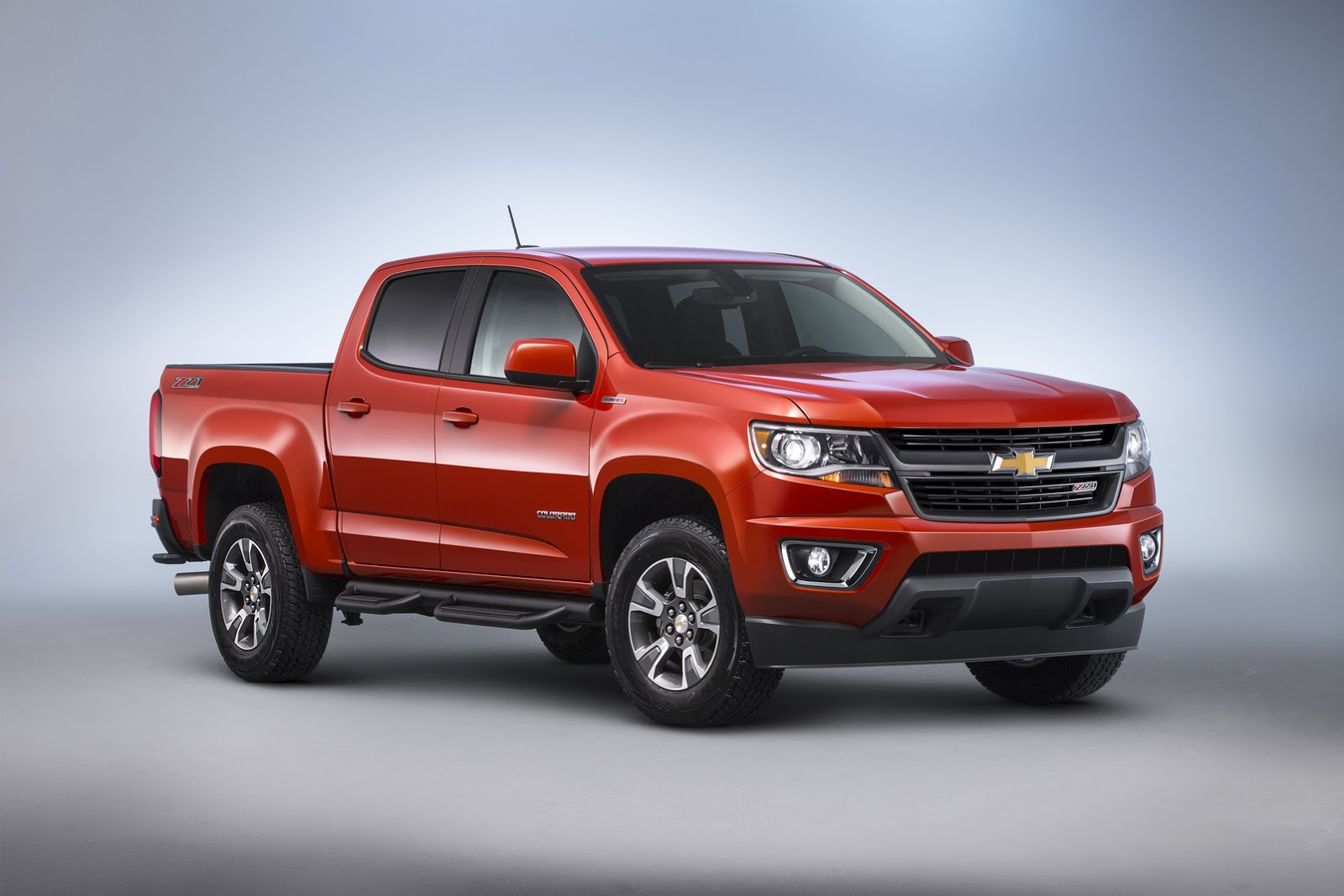 Chevy Truck Wheels >> 2016 Chevy Colorado And GMC Canyon Gain Diesel Engine In The USA | Carscoops