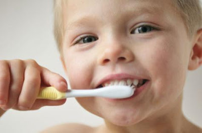 <img alt='dental health of children' src='http://i46.tinypic.com/2i1l5pe.jpg'/>