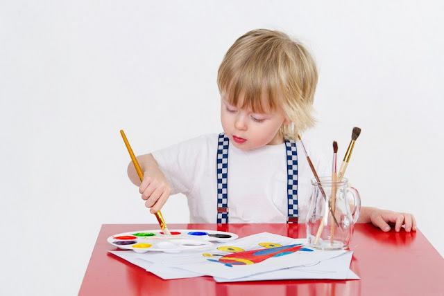 Manfaat menggambar dan mewarnai bagi anak