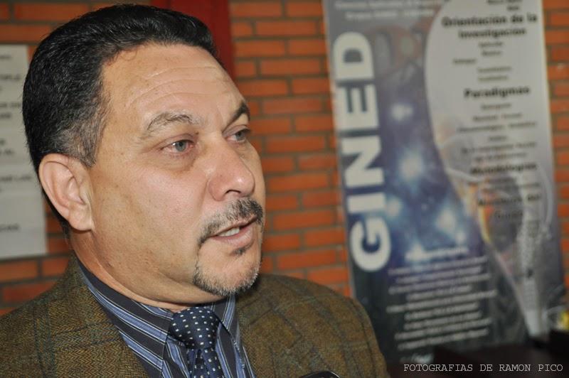 El Coordinador del Doctorado manifestó su orgullo por iniciar este plan de formación único en el país. (Foto: Ramón Pico)