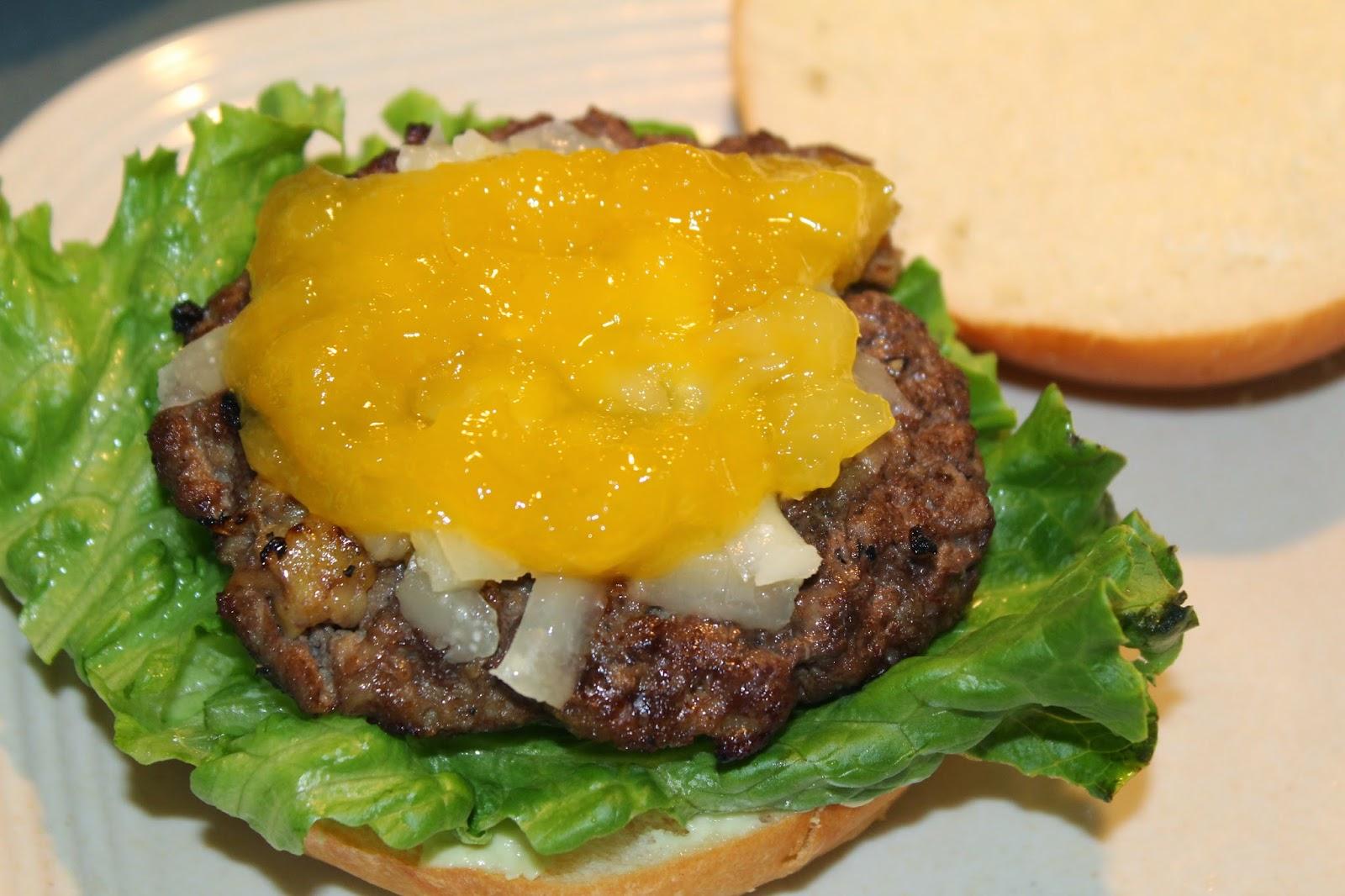 cheeseburger, mango sauce, pineapple sauce