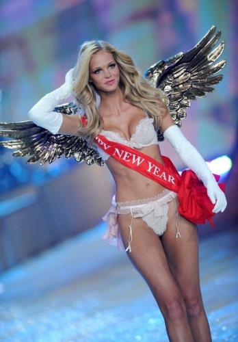 Erin Heatherton - The 2012 Victoria's Secret Fashion Show (34 Pics) Erin Heatherton And Leonardo Dicaprio Split