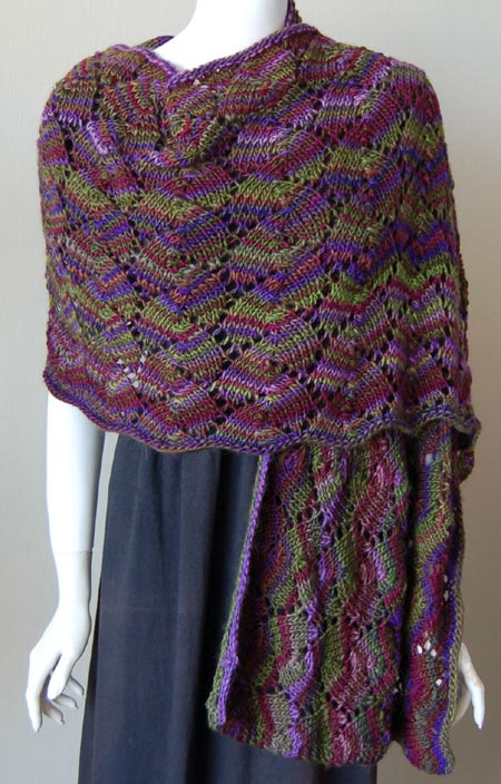 Easy Knitting Pattern For A Shawl : Miss Julias Patterns: Free Patterns - Lace Projects to Knit & Crochet