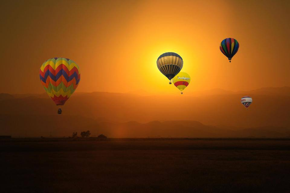 Amazing and unique hd wallpapers for android desktop mac beautiful wallpapers of balloons falling from sky voltagebd Choice Image