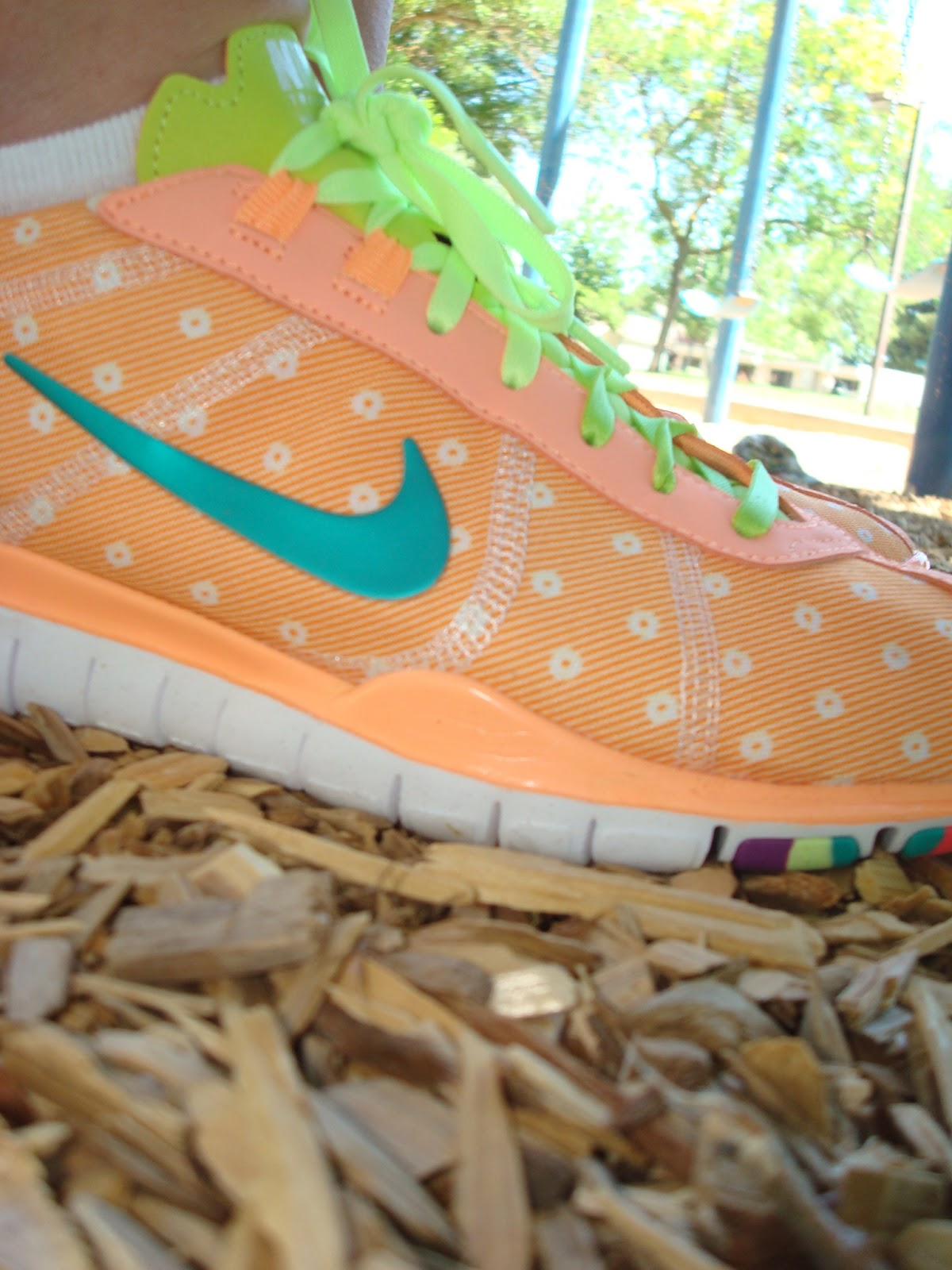 http://1.bp.blogspot.com/-N9OlP3U7C0Y/T-t8dYHxeAI/AAAAAAAAB6Q/dujhEj2LY68/s1600/NikeShoes2.jpg