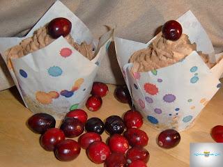 http://cecilecupcakecafe.blogspot.de/2013/12/cranberry-mandel-cupcakes.html