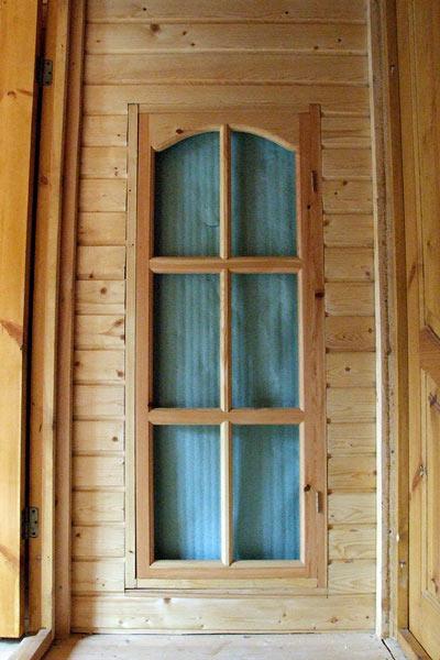 входные двери в дачный дом со стеклом