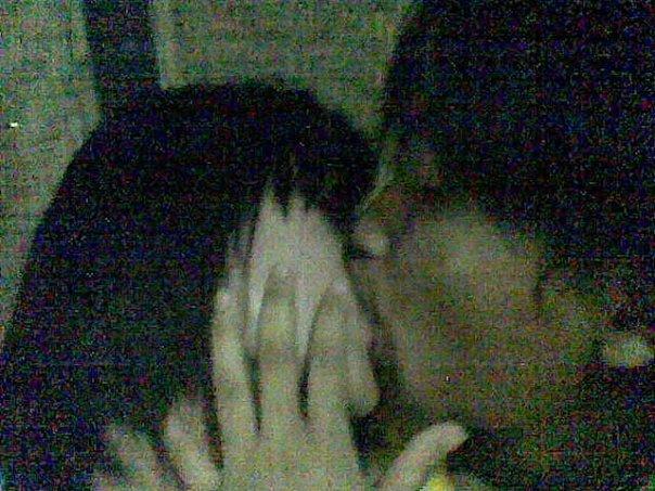 Ciuman dengan pasangan yang resmi tidak hanya menyenangkan, tetapi ...