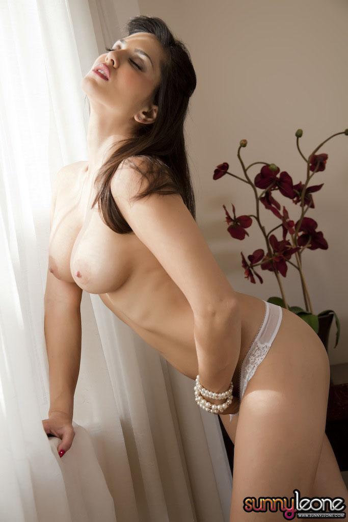 www.celebtiger.blogspot.com Sunny+Leone+ +White+BikIni+(36) Sunny Leone Indian Pornstar Posing Nude In White Lingerie HQ Photos
