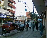 Actividad comercial en el centro de San Bernardo