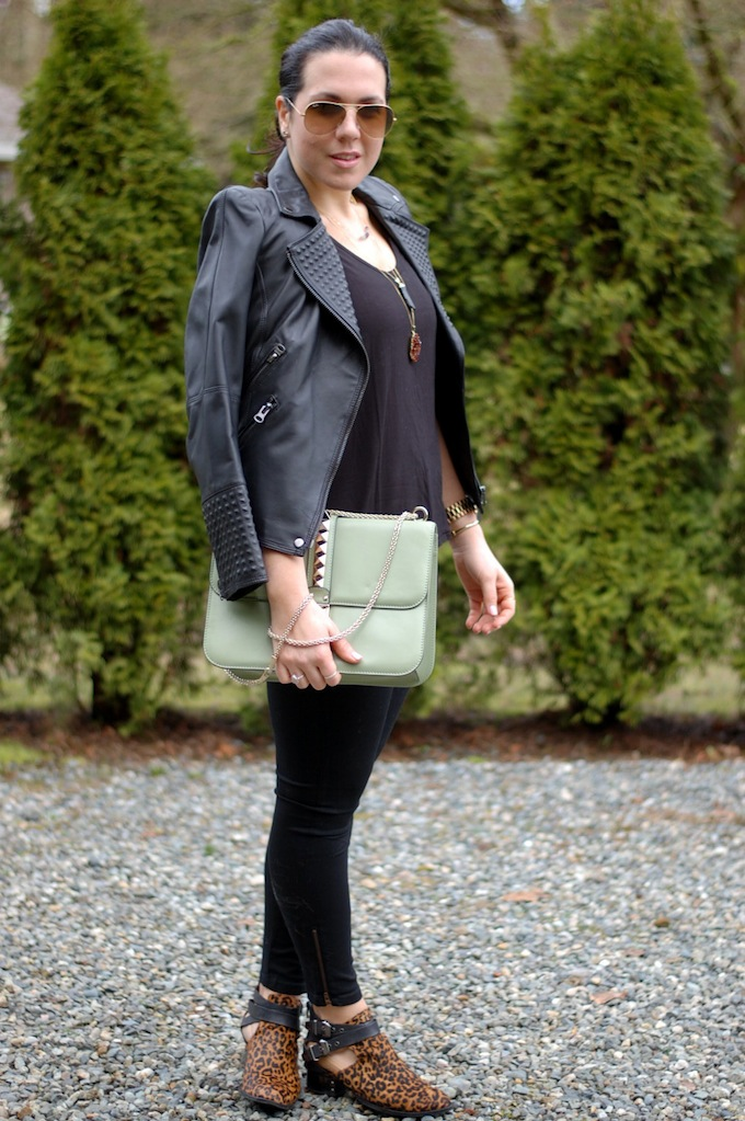 Plenty Monk & Lou Reena tee and Big Blue Jessica jeggings by Aleesha Harris of the Vancouver fashion blog Covet and Acquire