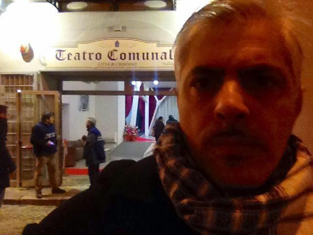 A CRISPANO (Na) in tempi di crisi riapre il Teatro Comunale chiuso da quarant'anni. Un'iniziativa da elogiare perchè dimostra che solo attraverso la cultura si possono superare i momenti difficili.