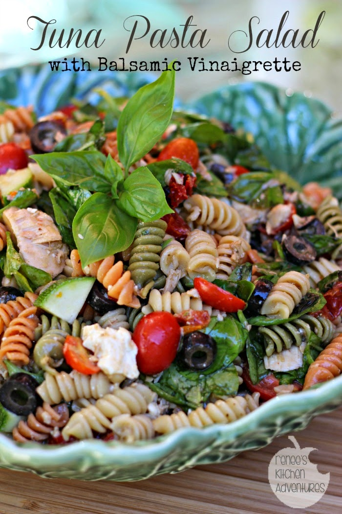 Tuna Pasta Salad with Balsamic Vinaigrette: healthful and delicious! #salad #pasta #tuna