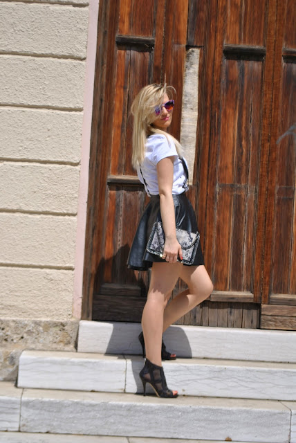 outfit gonna a ruota gonna ruota nera come abbinare la gonna a ruota come abbinare la gonna nera round circle skirt how to wear round circle skirt mariafelicia magno colorblock by felym mariafelicia magno fashion blogger ragazze bionde capelli biondi girls blonde hair blonde girls fashion bloggers italy italian fashion blogger milano fashion blogger italiane blog di moda fashion blog italiani blog di moda blogger italiane di moda