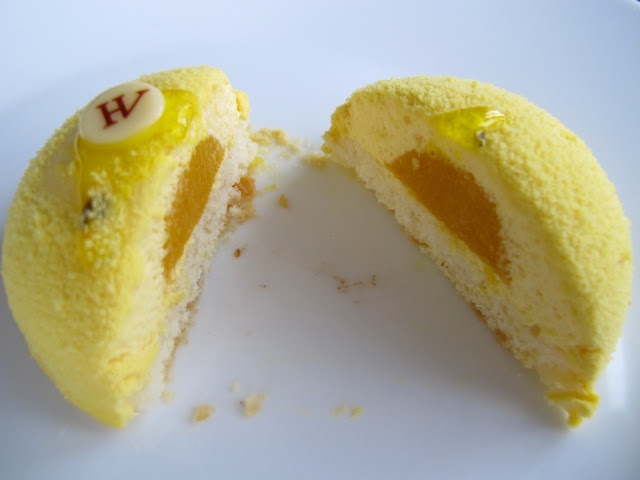 Pâtisserie Hugo & Victor - entremets passion