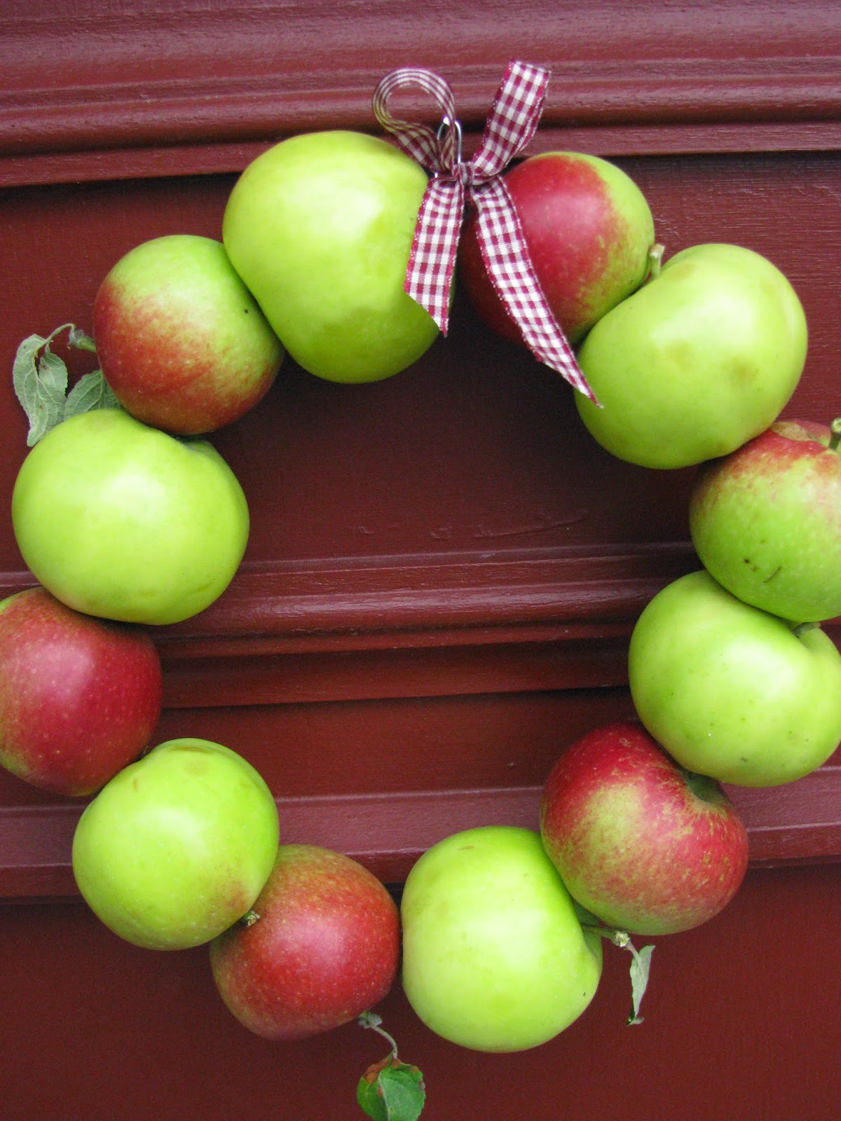 Min Lilla Kokvrå En fin och godäppelkrans att hänga på dörren väldigt snabb och enkel att