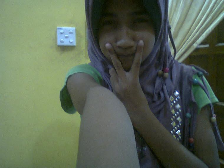 Gadis Mate Bulat