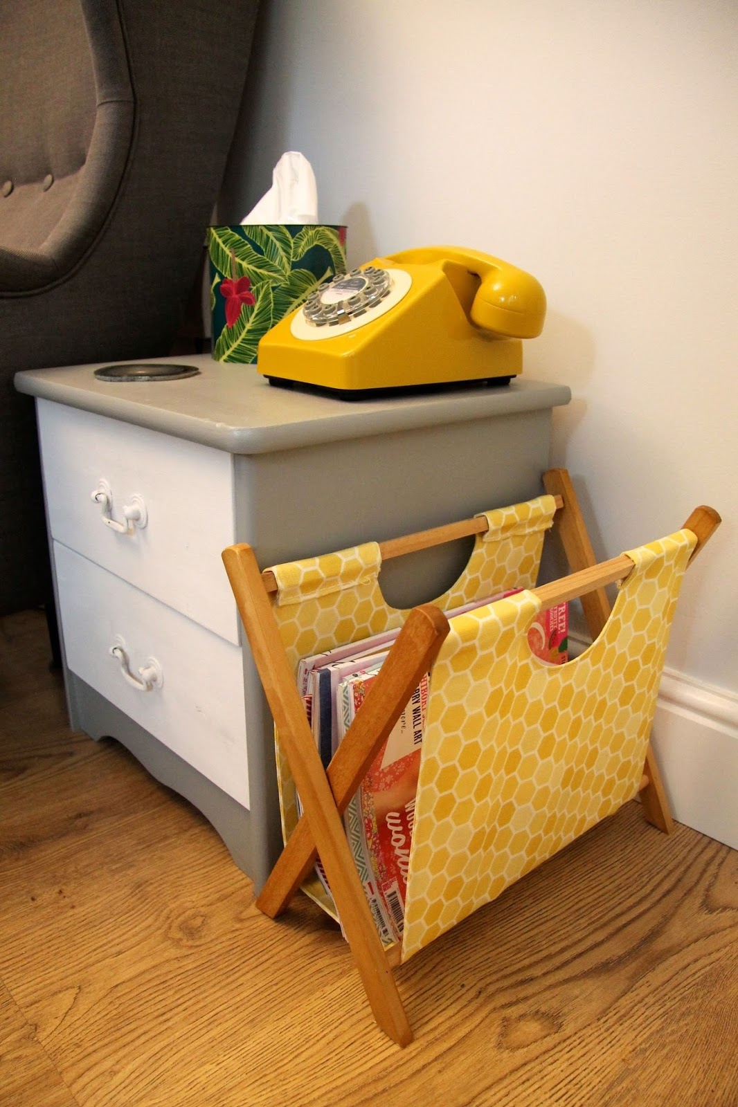 honeycomb magazine rack diy