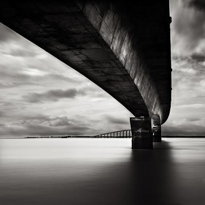 Sous le pont de l'île de Ré