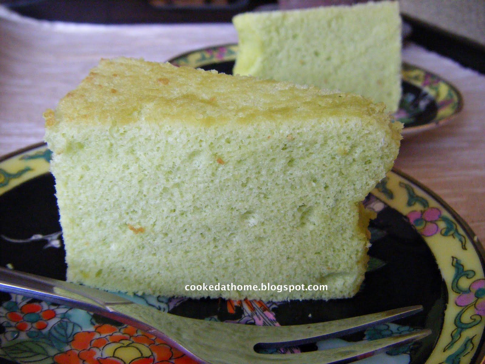 Cooking @ Home: Pandan Chiffon Cake