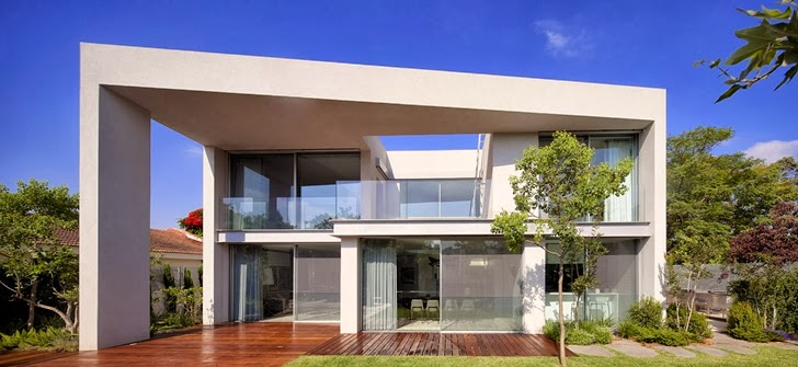 Modern family home by Domb Architecture from the backyard