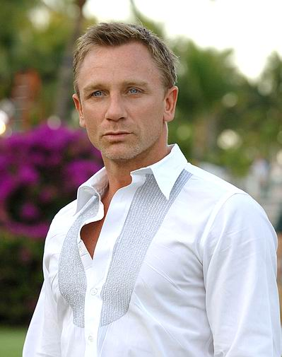 But, you chose Daniel Craig, so I hope you enjoy the photos of Mr. 007!