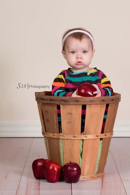 apple+3 Sydneys Fall Pictures | Marlton New Jersey Baby Photographer