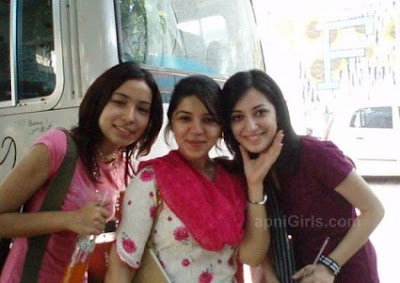 Three Desi Lahori girls enjoying On Mall Road