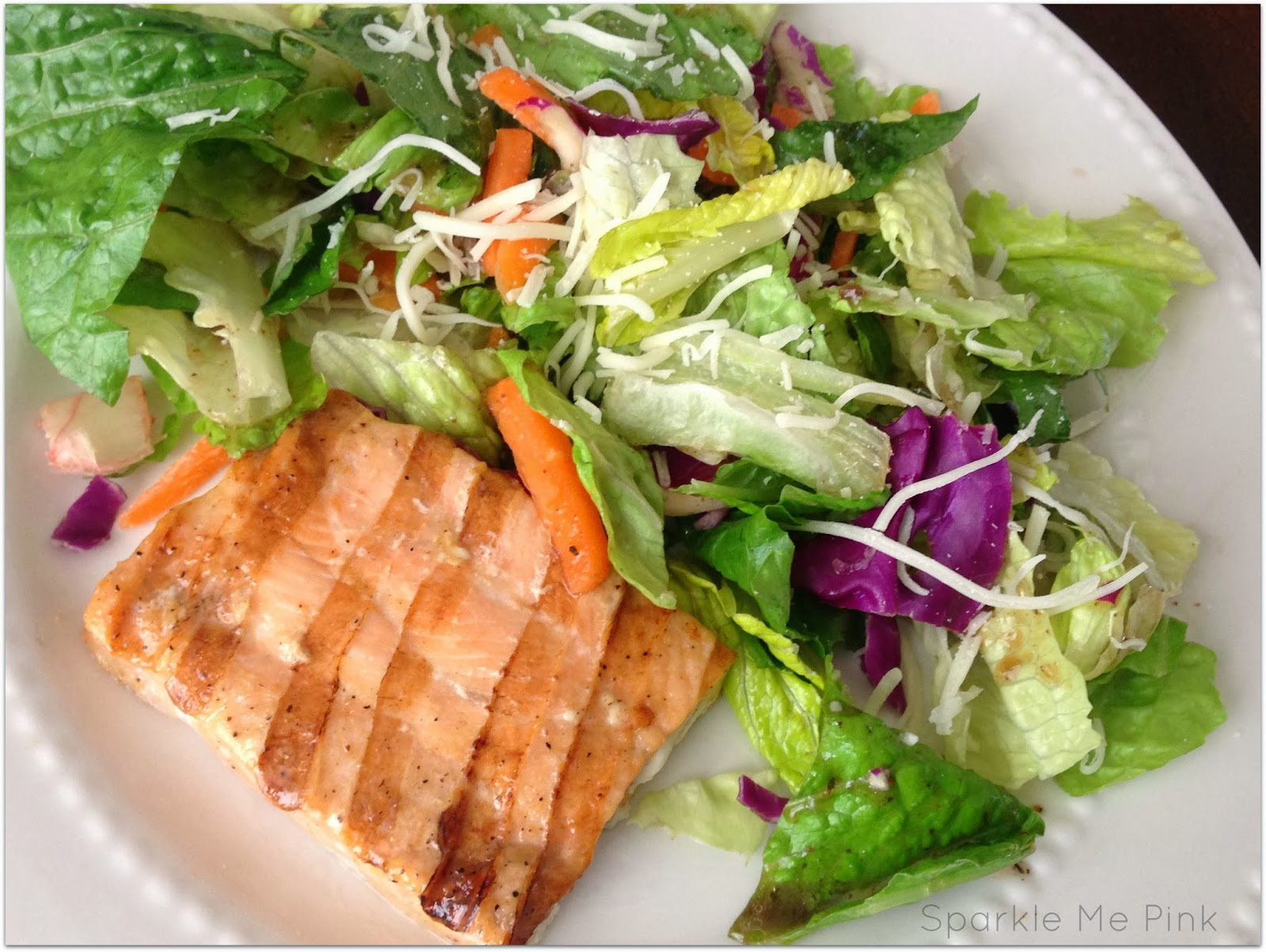 Sparkle me pink grilled salmon salad delicious healthy for Fish and salad