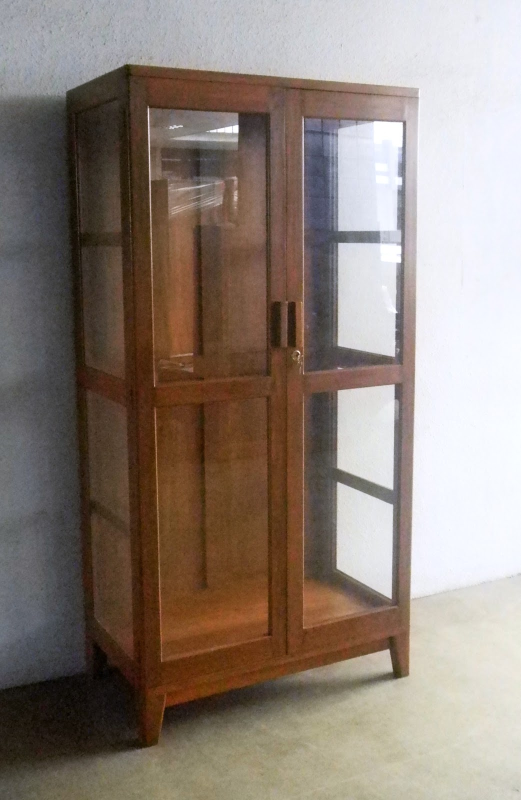 Vintage glass cabinet. Restored. Comes with thick glass shelves. - VINTAGE SHOWCASES AND DISPLAY CABINETS Bobs Furniture
