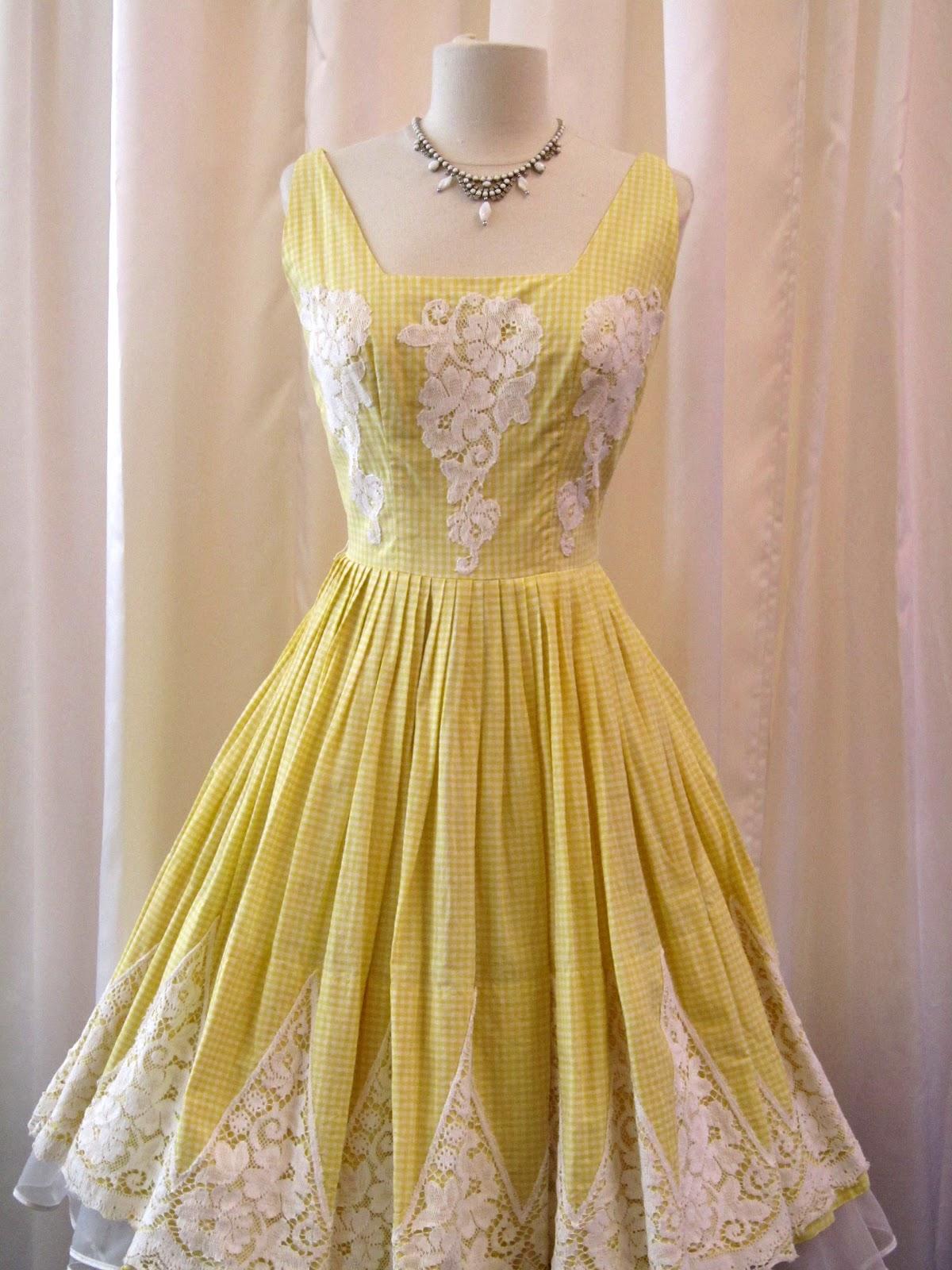 dirty fabulous glamorous vintage cocktail dressesooh