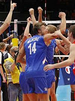 VOLEIBOL-Serbia gana el pulso a Italia en el Campeonato de Europa