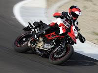 2012 Ducati Hypermotard 1100 EVO SP Gambar Motor 4
