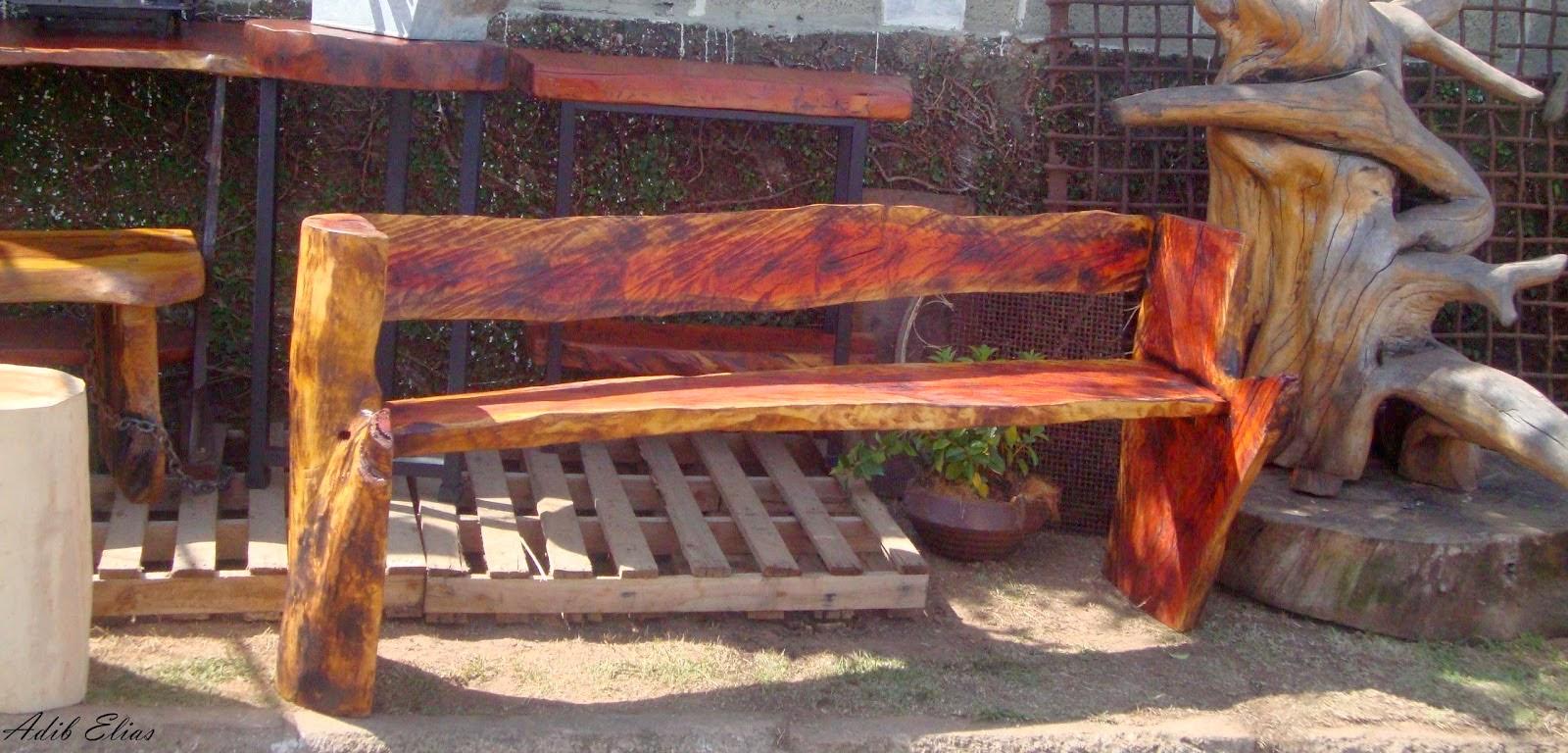 Banco rústico de madeira reciclada de Jacarandá #9C3D2F 1600x768