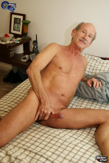 Mature Gay Gallery 71