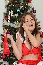 "MILF Bella  Roxx Boned Under The Mistletoe ""MILF HUNTER"" Video"