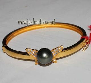 gelang emas mutiara hitam