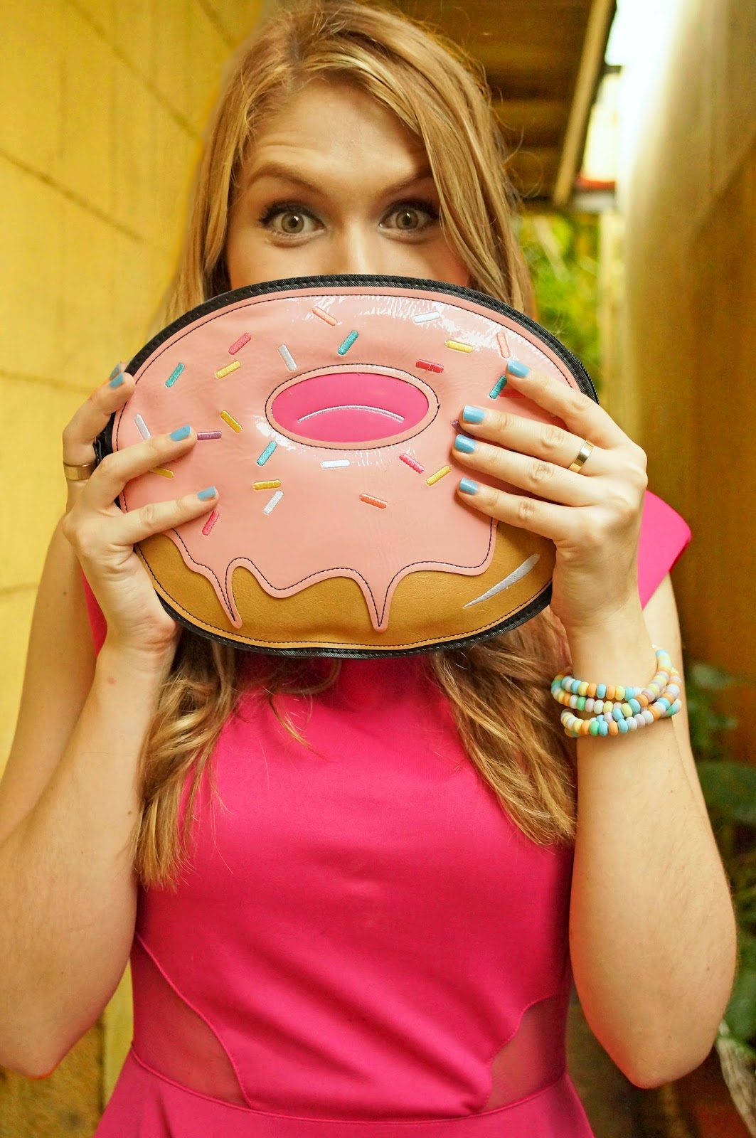 Super adorable donut clutch!!