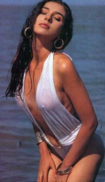 Hot Pics Lisa Ray