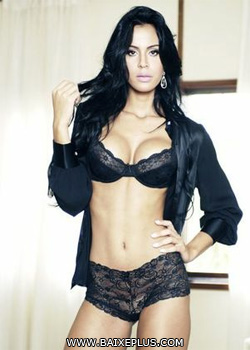 Download Revista Sexy Lorena Bueri – Julho (2012) Grátis